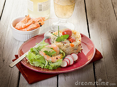 Shrimp with lettuce and couscous