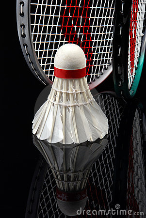 Free Shuttlecock And Rackets Royalty Free Stock Images - 3395889