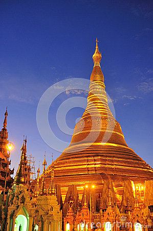 Shwedagon golden pagoda at twilight, Yangon