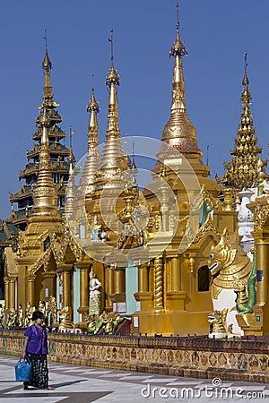 Shwedagon Pagodowy kompleks Yangon, Myanmar - Obraz Stock Editorial