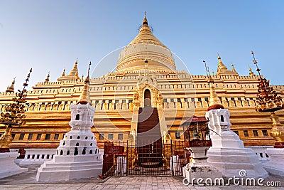 Shwezigon pagoda, Bagan, Myanmar.
