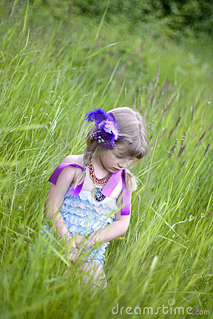 Free Shy Little Girl Royalty Free Stock Photo - 19934095