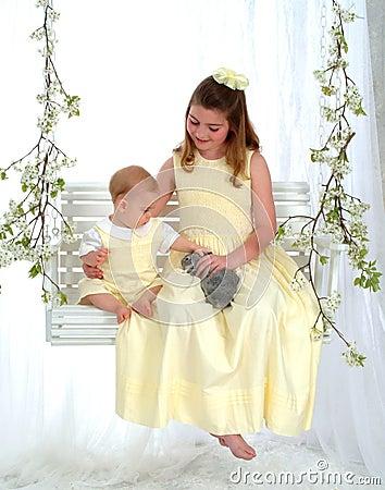 Free Siblings Petting Bunny Royalty Free Stock Photos - 4721278