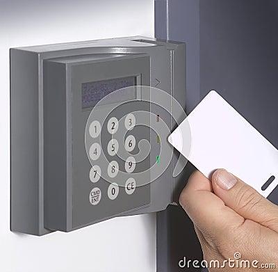 Sicherheitskarteneingang