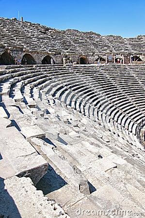 Side Amphitheatre 02