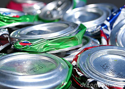 Side view of cushed soda cans