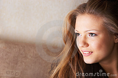 Sidelong glance with smile