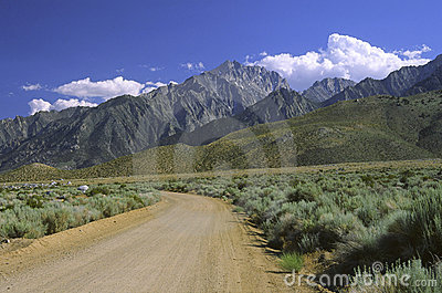 Sierra Nevada mountains seen from Owens Valley