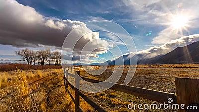 Sierra orientale tempesta al rallentatore video d archivio