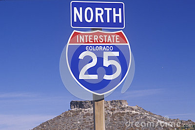 A sign for the 25 north