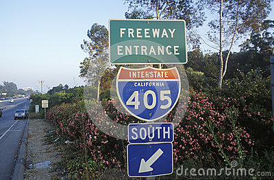 A sign for the 405 San Diego