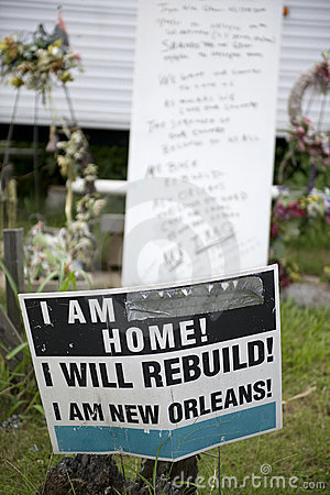 Free Sign In Yard After Hurricane Katrina, New Orleans Royalty Free Stock Photos - 12247718