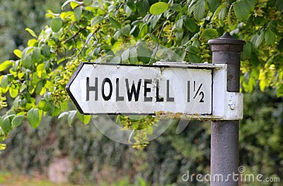 Sign post to Holwell