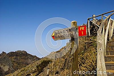 Signal to Pico Ruivo