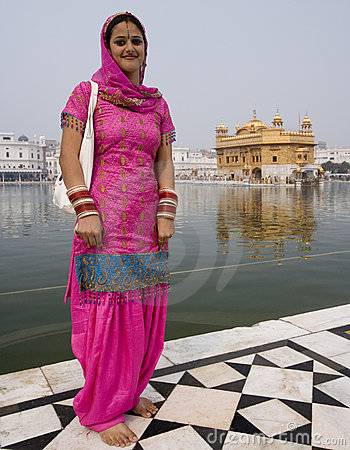 Sikh Woman - Golden Temple - Amritsar - India