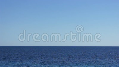 Sikt av horisont i det klara blåa havet lager videofilmer