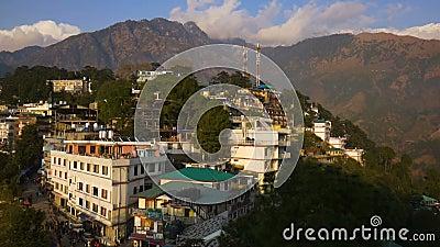 Sikt av Mcleod Ganj i Indien, Dharamsala lager videofilmer