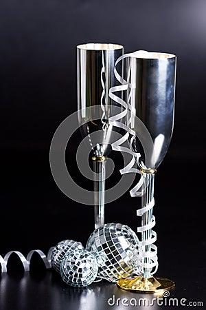 Silberne bocals und Serpentinendekoration