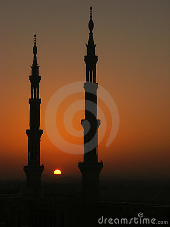 Free Silhouette Of Minarets Of Nabawi Mosque Royalty Free Stock Photos - 5561558