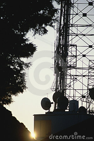 Silhouetted antenna
