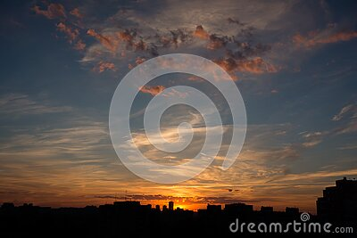 Silhouettes Of Buildings During Golden Hour Free Public Domain Cc0 Image