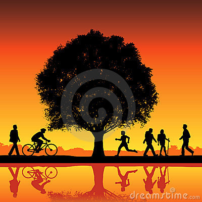 Free Silhouettes Under A Tree Royalty Free Stock Photo - 5009455