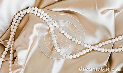 Silk & Pearl