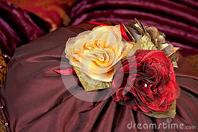 Silk pillow roses