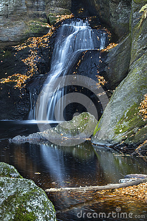 Free Silky Waterfall At Enders State Park In Granby, Connecticut. Royalty Free Stock Images - 62009999