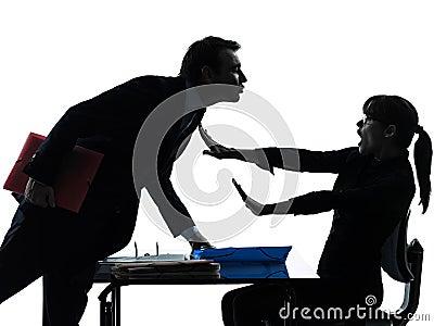 Silueta del acoso sexual de los pares del hombre de la mujer de negocios