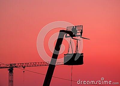 Siluetta dell elevatore e degli altoparlanti