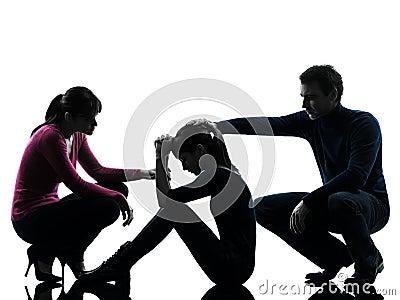 Siluetta di consolazione della figlia della madre del padre della famiglia