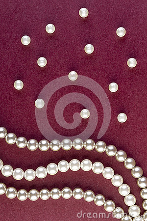 Free Silver And White Pearls Necklace On Dark Red Stock Image - 53840791