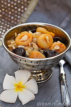 Free Silver Bowl With Dried Fruits And Nuts Dessert Stock Images - 17868174