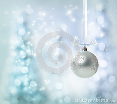 Free Silver Christmas Ornament Royalty Free Stock Image - 27978326