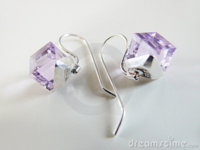 Silver earrings with lila crystal
