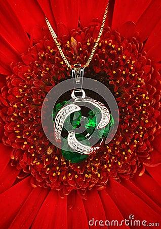 silver-jewellery-pendant-gems-emerald-fl