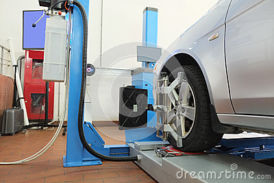 Similarity collapse equipment stock photo image 39055153 for Equipement d un garage automobile