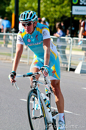 Simon Clarke from Astana leaving the race Editorial Stock Image