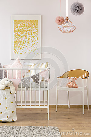 Free Simple Baby Room With Crib Royalty Free Stock Images - 90502149