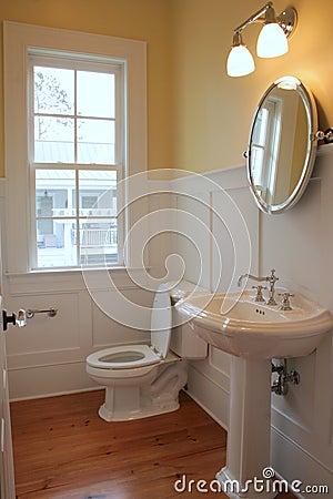 Free Simple Bathroom Stock Image - 1021171