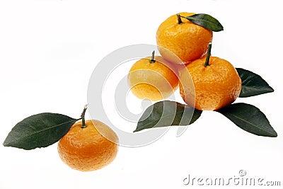 Sinaasappelen met bladeren
