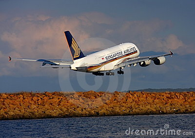Singapore Airlines Airbus A380 departs Sydney. Editorial Stock Photo