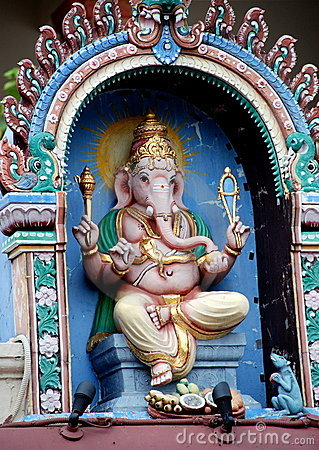 Singapore: Ganesh God at Sri Mariamman Temple