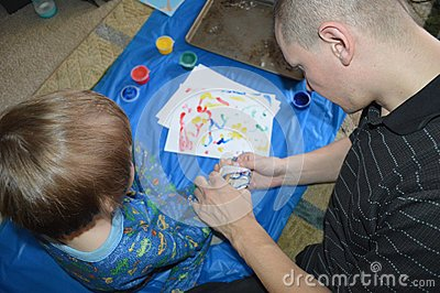 Single dad and son fingerpainting 3
