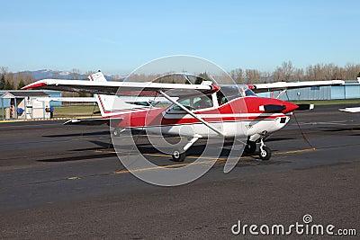 Single engine aircraft.