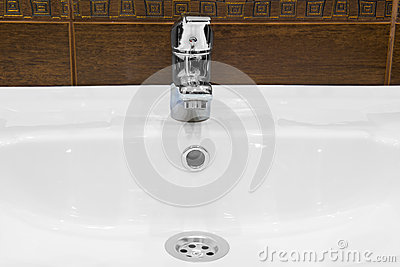 Sink, and shiny faucet