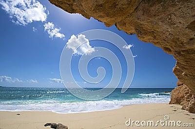 Sint Maarten, Cupecoy beach