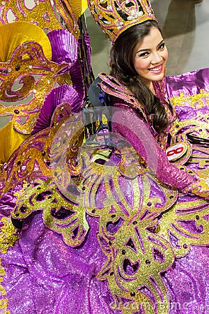 Free Sinulog Dancer With Beautiful Purple Costume Royalty Free Stock Photography - 111809907
