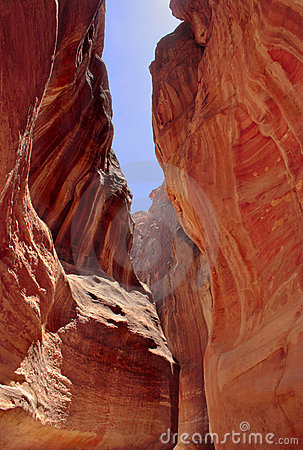 Siq path slot canyon Petra